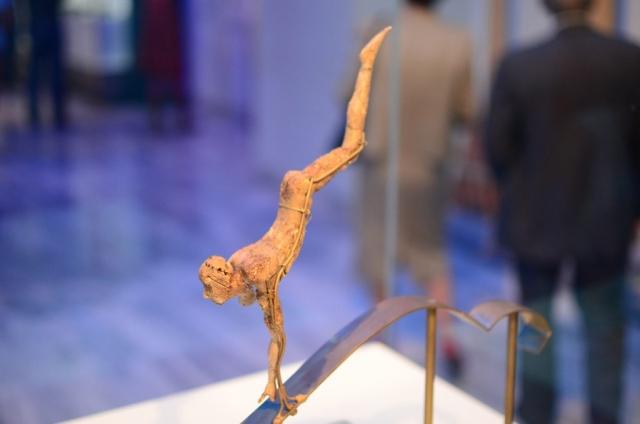Minoan Acrobat